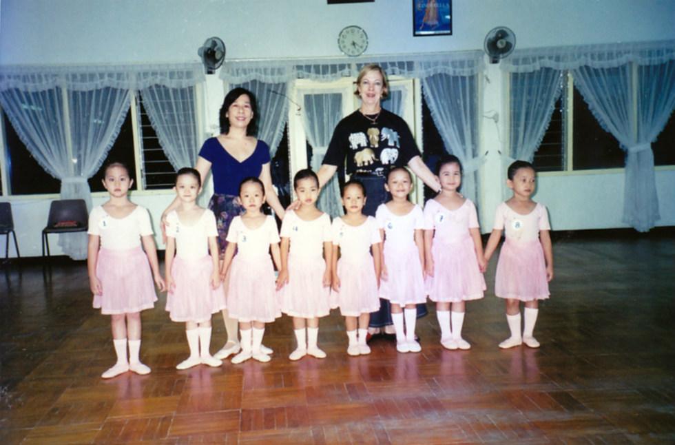 penari balet balita